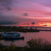Осенний рассвет. :: Валерий Молоток