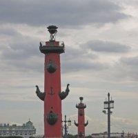 Ростральные колонны (Санкт-Петербург, Стрелка Васильевского острова) :: Павел Зюзин