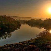 Погожее осеннее утро после ненастной недели. :: Пётр Сесекин