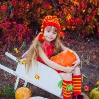 Гномик и осенний урожай :: Катерина Терновая
