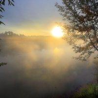 Пора рассветов октября....4 :: Андрей Войцехов