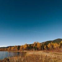 Самолет над озером :: Чингис Санжиев