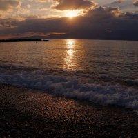 Рассвет  на Критском море :: kolyeretka