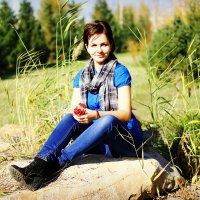 Прогулка в октябре :: TATYANA PODYMA