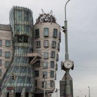 Танцующий дом :: Владимир Брагин