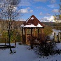 Вот и к нам в деревню заглянула зима. :: Пётр Сесекин