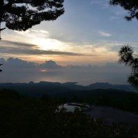 рассвет в горах :: Taigen Rokhman