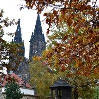 Осень в старой крепости :: Ольга