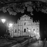 руины собора Павла :: Тарас Золотько