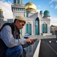 У мечети :: Игорь Иванов