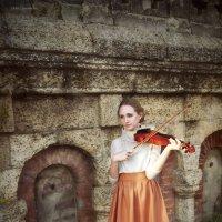 Скрипка-осень.. :: Юлия Романенко
