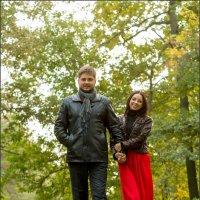 В осеннем парке :: Андрей Черненко