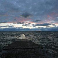 Конец ненастного дня :: valeriy khlopunov