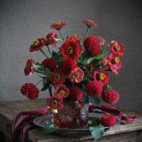 Красные цветы осени :: Татьяна Ким
