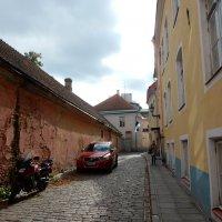 Улочка в Таллине :: Елена Гуляева (mashagulena)
