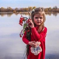 девочка у реки :: Katerina S.