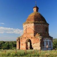 старая церковь :: Александр Иванов