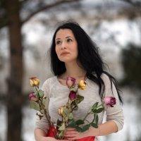 Девушка и цветы. :: Алексей Хаустов