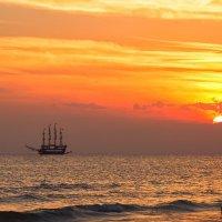 Средиземное море закат. :: Евгений Рифиниус