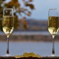 У шампанского цвет осени :: Александр Попов