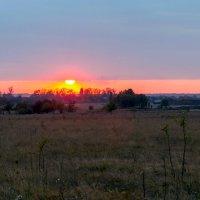 Закат осенью :: Юрий Стародубцев