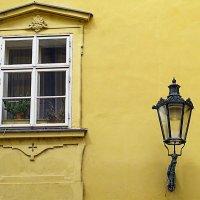 Прага. Окно. Фонарь. :: Алекс Дрожжин
