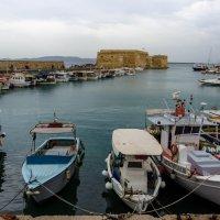 Бухта в г. Ираклион, столице о. Крит :: Андрей Володин