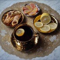 Чай с лимоном и лимонными дольками :: Нина Корешкова