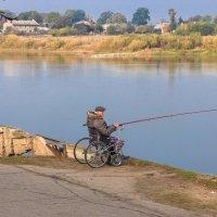 Одинокий рыбак.... :: Игорь Вишняков