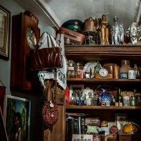 Скучают ли вещи о своих прежних владельцах? :: Ирина Данилова