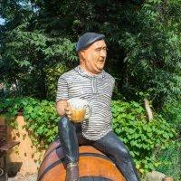 Весёлый памятник актёру Евгению Моргунову в городе Сочи. :: Валерий Смирнов