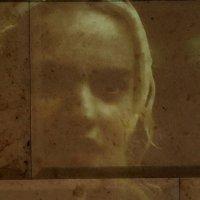 Портрет на стене. :: Дмитрий Воронин