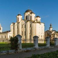 Прогулка по Великому Новгороду. Ярославово дворище (продолжение) :: Владимир Демчишин