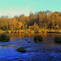 осень на реке :: Сергей Кочнев
