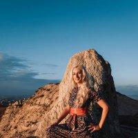 На вершине скалы :: Денис Красненко