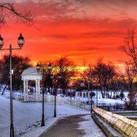 Закат на прудах... :: Виталий Левшов