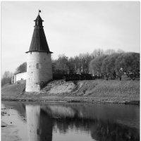 Высокая башня. Отражение. :: Fededuard Винтанюк