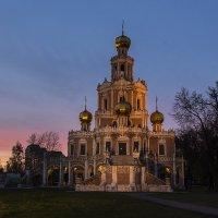 Вечерний свет над храмом Покрова на Филях :: Игорь Егоров