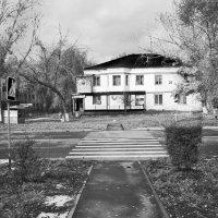 Мрачный дом :: Dmitriy Predybailo