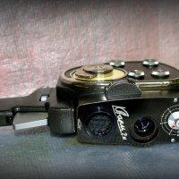 Раритеты: 8 мм кинокамера Кварц :: Андрей Заломленков