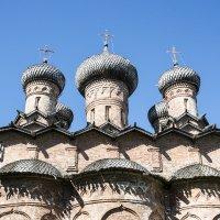 Каменная трапезная с церквью Троицы в Духове монастыре построена в 1557 году. :: Виктор Орехов