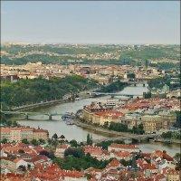 Вид на Пражский град с Петршинской обзорной башни на холме Петршин Прага Чехия. :: Александр Л......