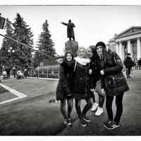 сэлфи на центральной площади :: Сергей Демянюк