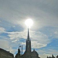 солнце над шпилем :: Елена