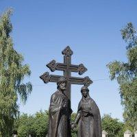 Памятник Святым Петру и Февронии. :: Виктор Орехов