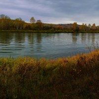Осенняя река. :: Владимир Михайлович Дадочкин