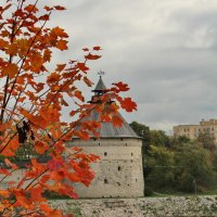 Осень во Пскове :: Анатолий Шумилин