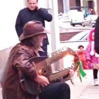 Уличный музыкант :: Galina194701