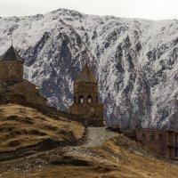Мужской монастырь Гергетской Троицы. Грузия. :: Наталья Smirnova
