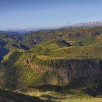 Тени в каньоне :: M Marikfoto